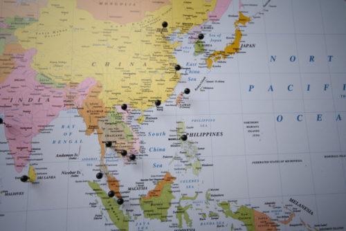 Världskarta för nålmarkering
