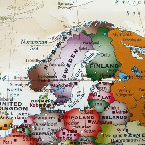 Stor Världskarta Winkel Tripel Projection för markering med nålar (4)