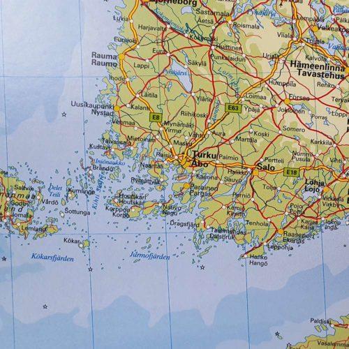 Karta över Norden och Baltikum Finland där du kan markera dom länderna du rest till med nålar. Kartkungen