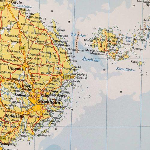 Karta över Norden och Baltikum Stockholm / Åland där du kan markera dom länderna du rest till med nålar. Kartkungen