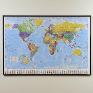 Världskarta för vägg Klassisk Mått: 90x60cm som du kan märka ut dom länderna du rest till med nålar. En väggkarta som aldrig går ur tiden. Snabb leverans