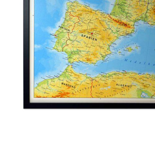 stor karta över europa för markering med nålar svart ram
