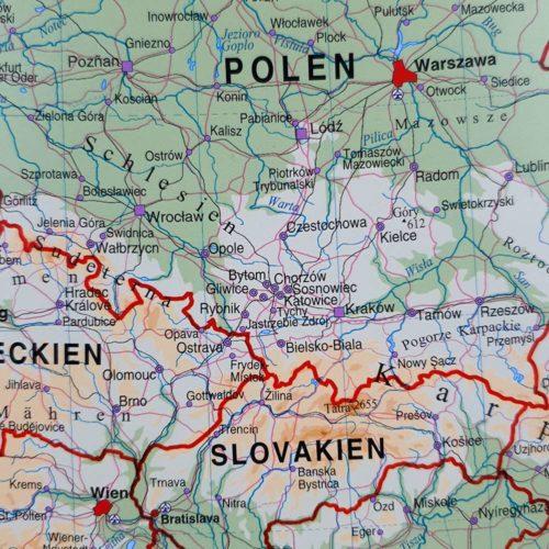 vaggkarta-europa-vit-ram-05