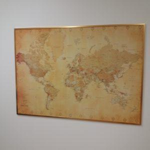 stor världskarta för vägg vintage för nålar