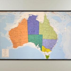 Väggkarta över Australien för markering med nålar