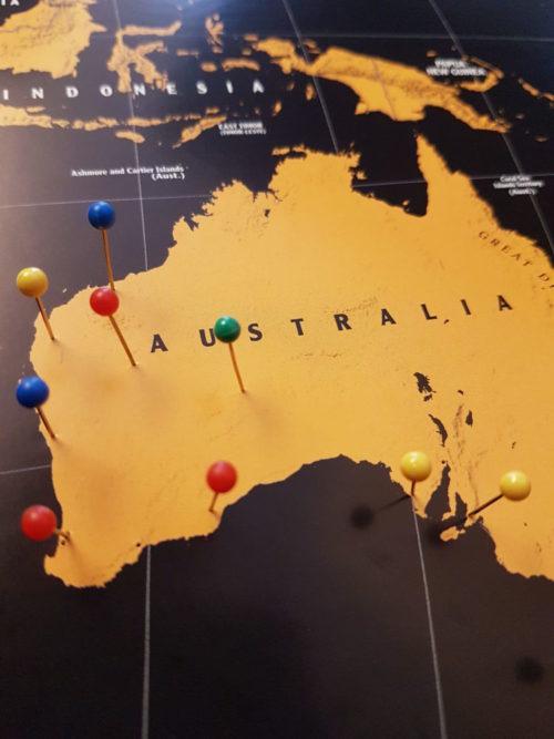 Världskarta för markering med nål för vägg- Kartkungen