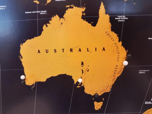 Världskarta för markering med kartnål för väggen- Kartkungen