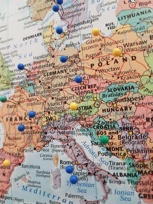 Stor världskarta för nålar