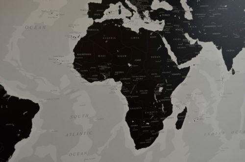 kartkungen-varldskarta-black-white-afrika