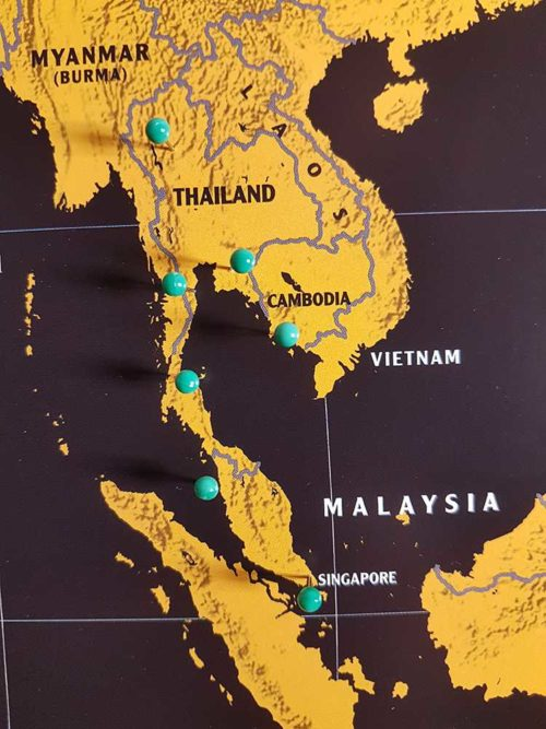 Världskarta för markering med nålar