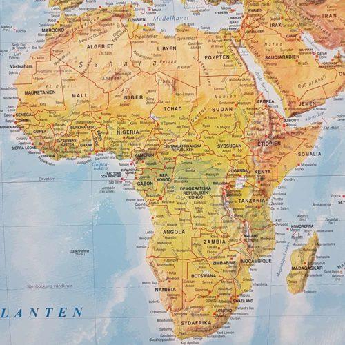 Världskarta Världen Fysisk Afrika 70x100 cm Silver ram. För markering med nålar. För hemmet, kontoret eller företaget Kartkungen