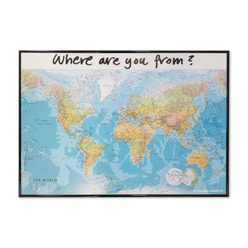 Världskarta för hotell och camping Where are you from. Där era gäster kan märka ut vart dom kommer i från med kartnålar. En karta för receptionen, lobbyn på hotellet eller på er camping. Mått: 100 cm x 70 cm svart ram Kartkungen