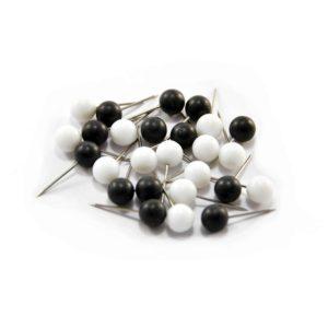 kartnålar väggkarta svarta och vita