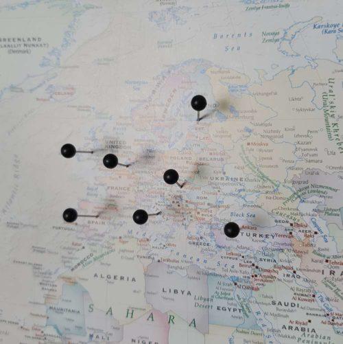 Liten Världskarta för nålmarkering