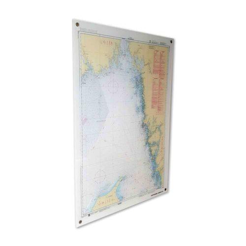 Sjökort i plexiglas över Skagerrak. Täcker nästan hela Sveriges västkust. Tavlan gör sig lika fin på väggen i hemmet som på kontoret. Kan även vara utomhus