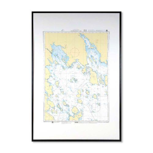 Inramat sjökort över Hindersöharun Töre där ni kan märka ut med nålar vart ni har rest eller vill resa. Eller kanske bara som en fin tavla? Handgjord ram.