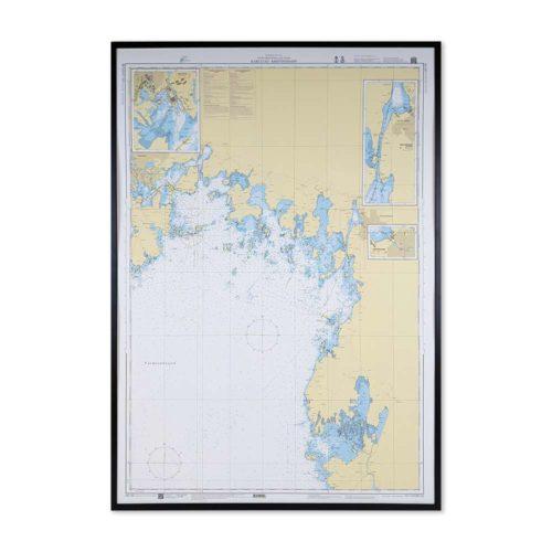 Inramat sjökort över Karlstad Kristinehamn där ni kan märka ut med nålar vart ni har rest eller vill resa. Eller kanske bara som en fin tavla? Handgjord ram.