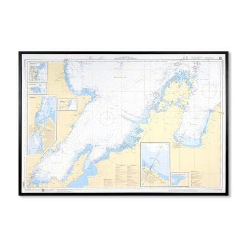 Inramat sjökort över Köpmannebro-Vänersborg där ni kan märka ut med nålar vart ni har rest eller vill resa. Eller kanske bara som en fin tavla? Med ram.