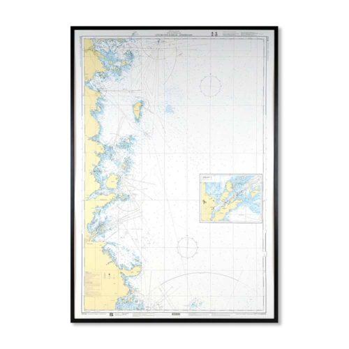 Inramat sjökort över Lövgrunds Rabbar Söderhamn där ni kan märka ut med nålar vart ni har rest eller vill resa. Eller kanske bara som en fin tavla? Med svart ram.