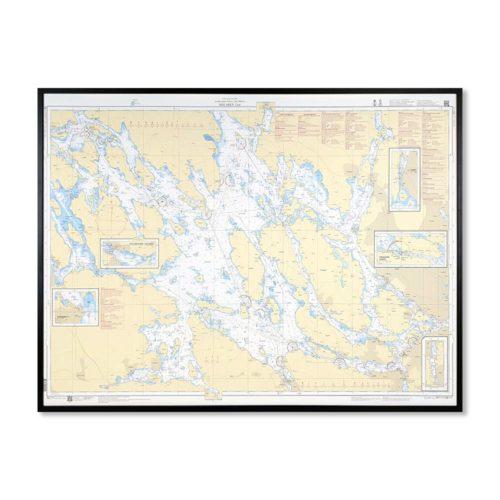 Inramat sjökort över Mälaren Östra där ni kan märka ut med nålar vart ni har rest eller vill resa. Eller kanske bara som en fin tavla? Handgjord ram.