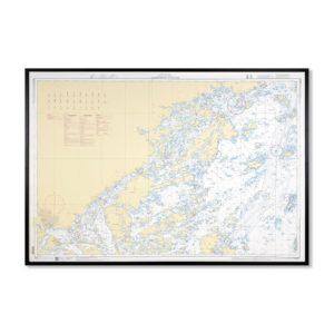 Inramat sjökort 612 över Skagerrak Kattegatt där ni kan märka ut med nålar vart ni har rest eller vill resa. Eller kanske bara som en fin tavla? Handgjord ram.