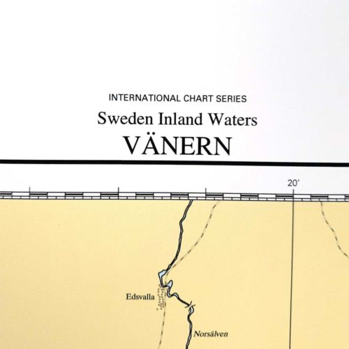 Inramat sjökort över Vänern från sjöfartsverket att ha som tavla på väggen, där du även kan markera med nålar vart du har varit. Kartkungen