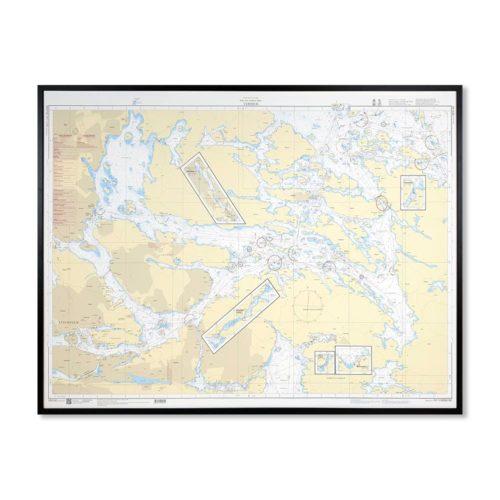 Inramat Sjökort 6142 specialkort Vaxholm Detaljerat sjökort där ni kan märka ut med nålar vart ni har rest eller vill resa. Levereras med handgjord ram.