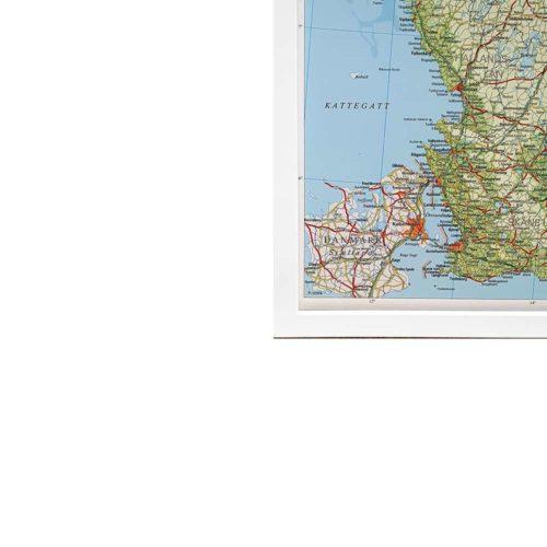Väggkarta över Sverige där du kan markera med nålar. Fin som skolkarta, kontoret eller i hemmet - Kartkungen