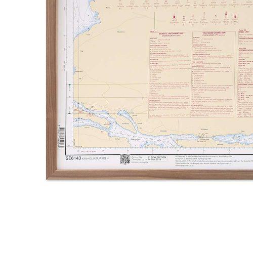sjökort för väggen med ram i valnöt