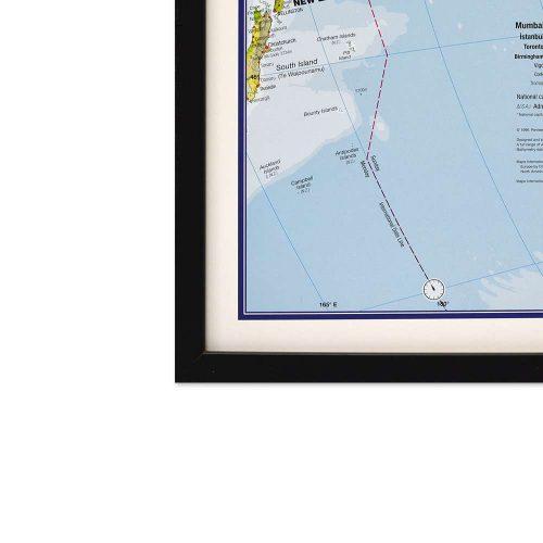 stor-varldskarta-miljo-med-svart-ram-och-markering-for-kartnalar (2)