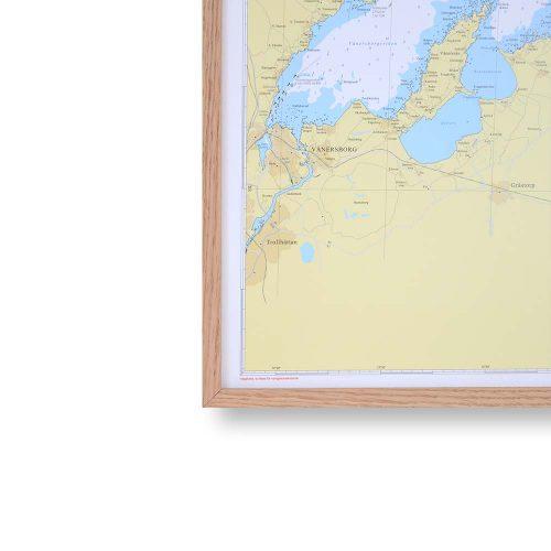 sjökort-vänern-för-väggen-hydrographica-ram-ek-70cm-100cm-bild-ram-valnöt